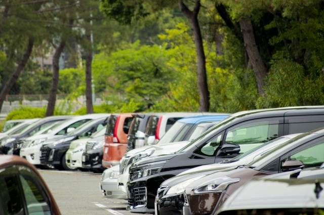駐車場事故が起こったときの対処法|被害者が知っておくべき知識